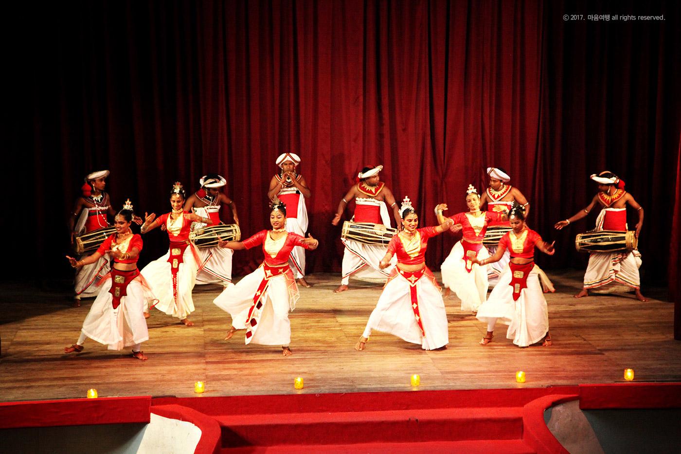스리랑카 전통 민속쇼 공연