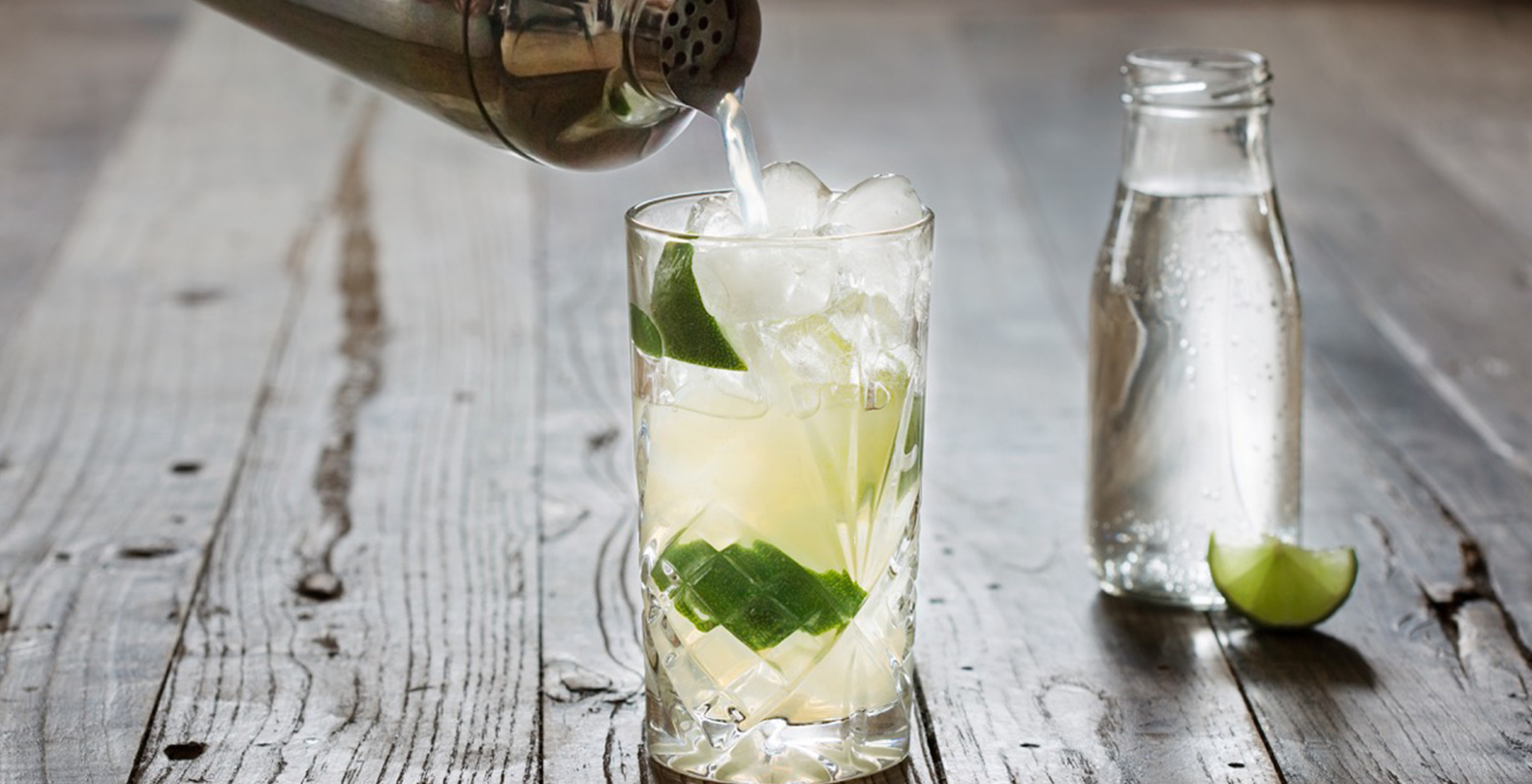 THE RICKEY COCKTAIL AND HOW TO MIX IT