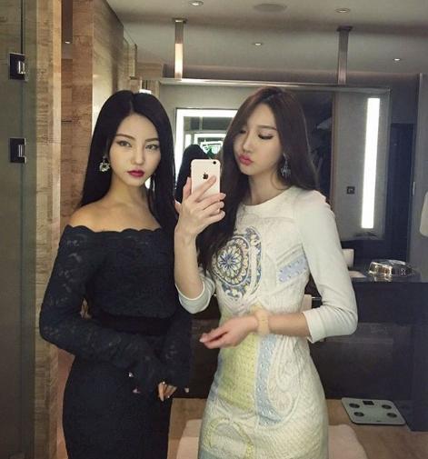 모델 김율