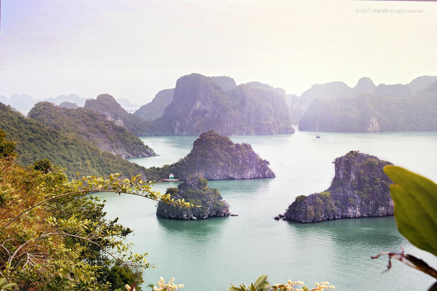 유네스코 지정 관광지인 하롱베이