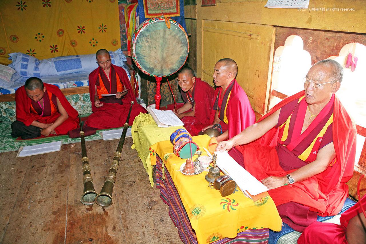 린풍종 사원 스님들의 모습