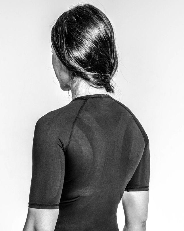 숏 슬리브 컴프레션 티셔츠 <BR>  SHORT SLEEVE COMPRESSION T-SHIRT