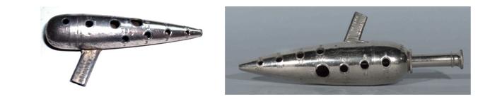 금속으로 구현된 이탈리아식오카리나와, 피치 조절용으로 추정되는 피스톤이 달린 금속오카리나
