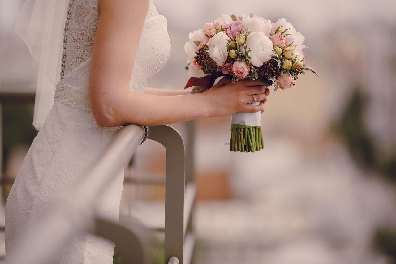 잊을 수 없는 소중한 날, 결혼식 피로연 또한 소중합니다.  생애 최고의 순간을 축하하는 자리, <br> 어렵게 찾아주신 고마운 분들께 감사의 마음을 전달할 수 있습니다.