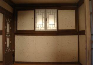 [사진6-46] 행랑채 벽체 수장 (내부)