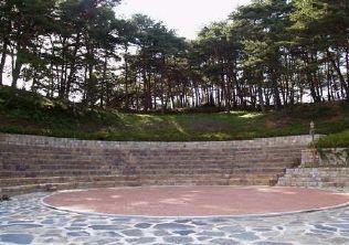 [사진6-71] 야외공연장과 주변