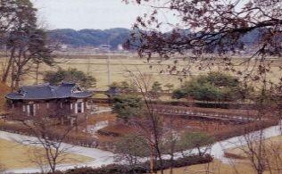 [사진7-03] 활래정과 연지