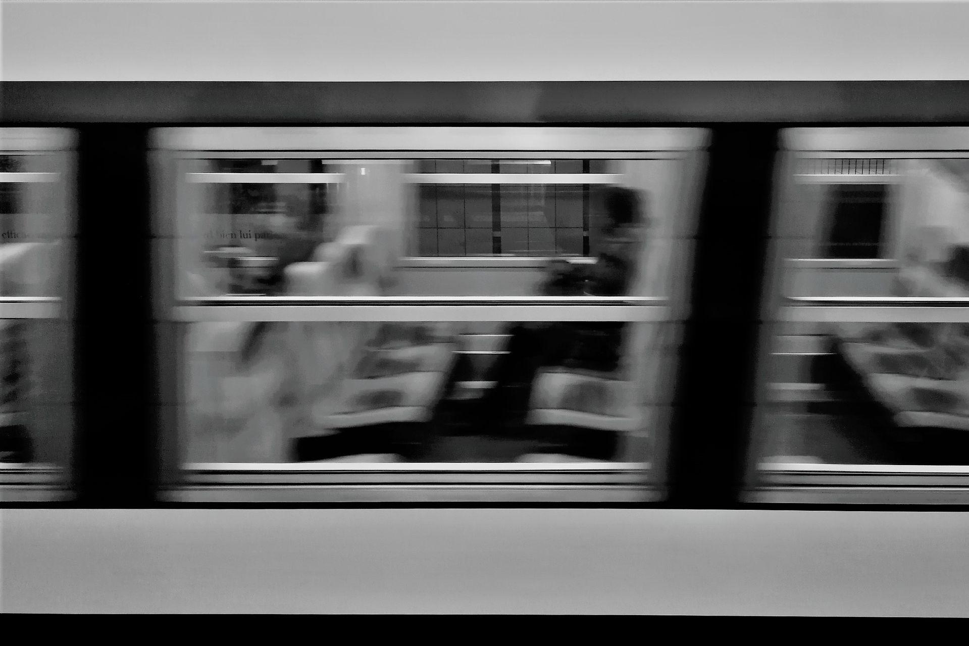 RER C à Invalide