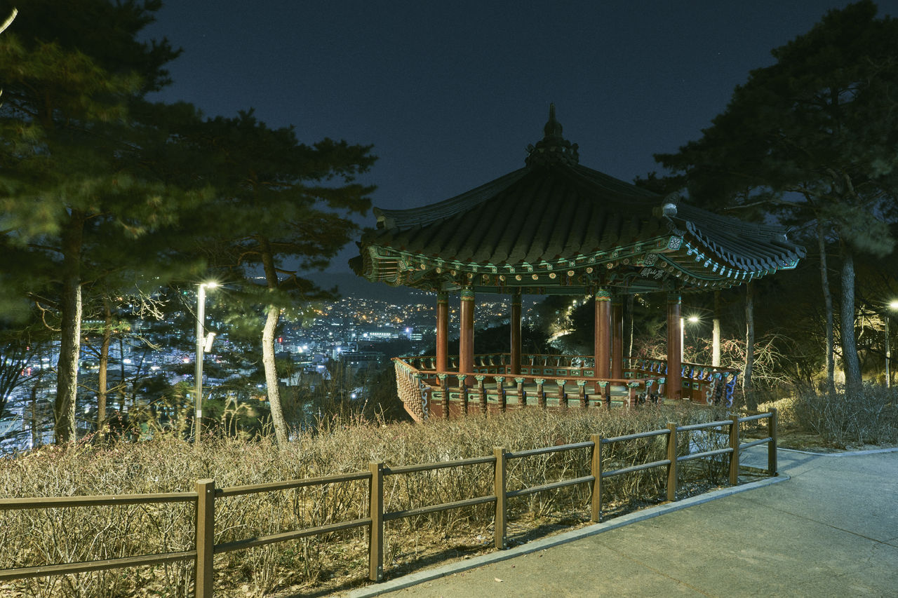 "<span style=""color: rgb(102, 102, 102); font-size: 11px; border-bottom:1px solid #999;"">전망 포인트 하나, 낙산정 (마우스를 올려보세요)</span>"