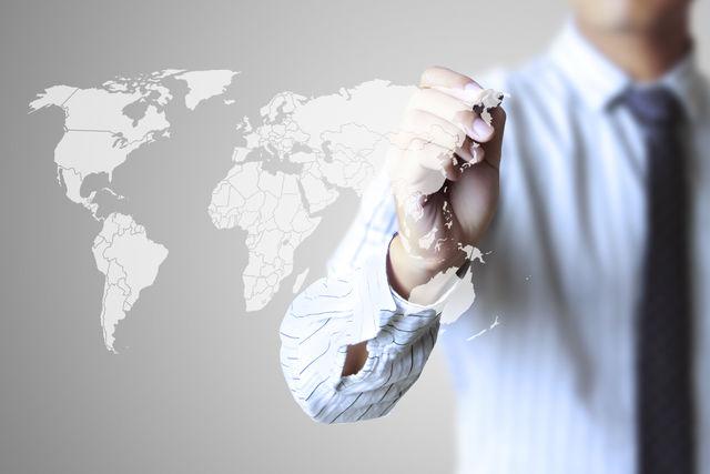 <strong>해외인증</strong><br><span>미국,유럽 등 해외시장진출을 위해 필요한<br>해외인증서 발급 및 지원하고 있습니다.</span>