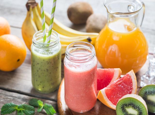 생과일 전문점의 과일 야채세척