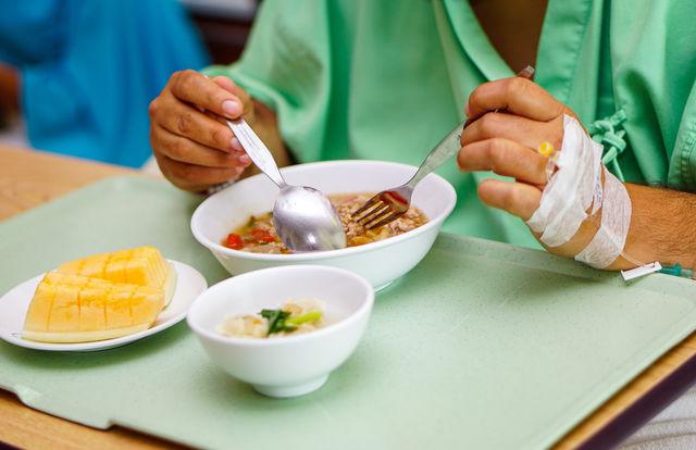 방짜 유기 등의 고급 식기나 살균이<br>필수적으로 이뤄져야 하는 환자식기
