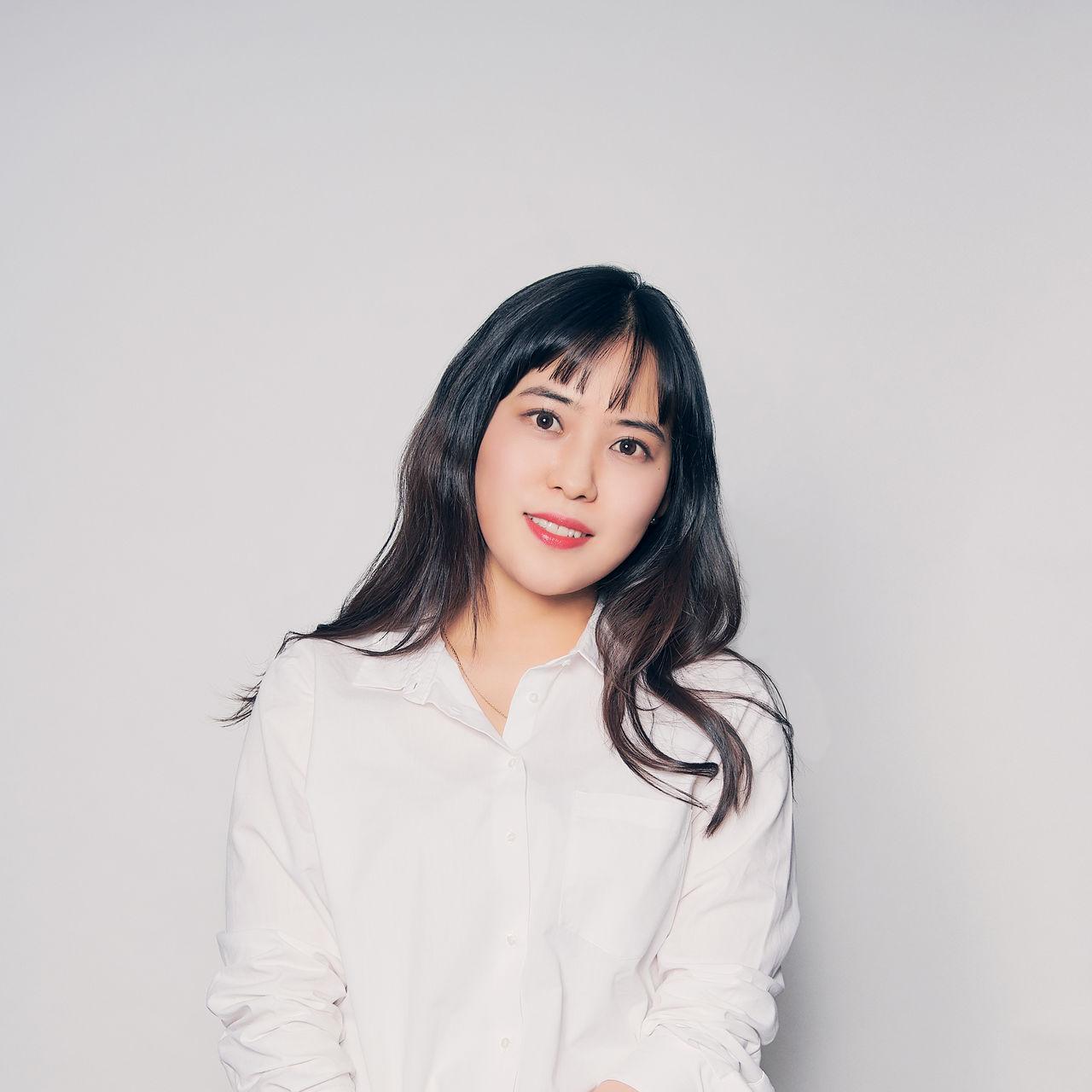 "<b>Kwak Seong Eun</b><br><span style=""letter-spacing: -1px; font-size: 14px; color: rgb(113, 113, 113);"">Lead Associate<br>"