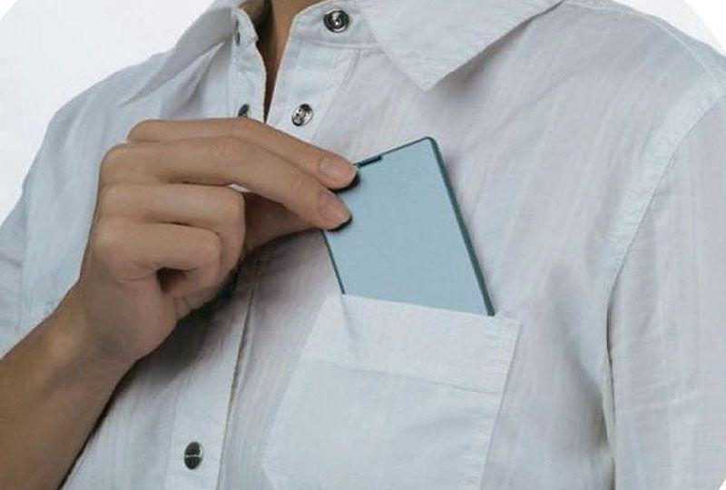 슬림한 디자인으로 와이셔츠 포켓 주머니에도 쏙 들어갑니다.