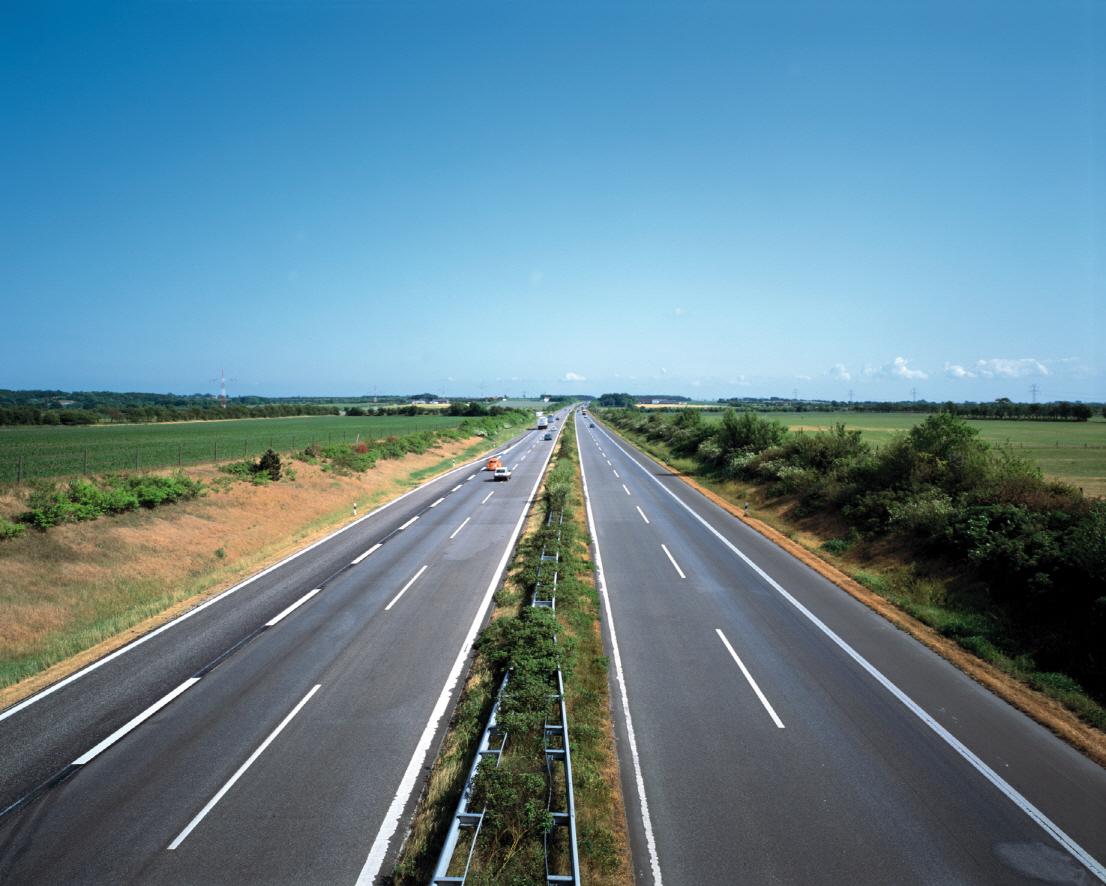 독일 아우토반(Autobahn) 고속도로의 구스 아스팔트