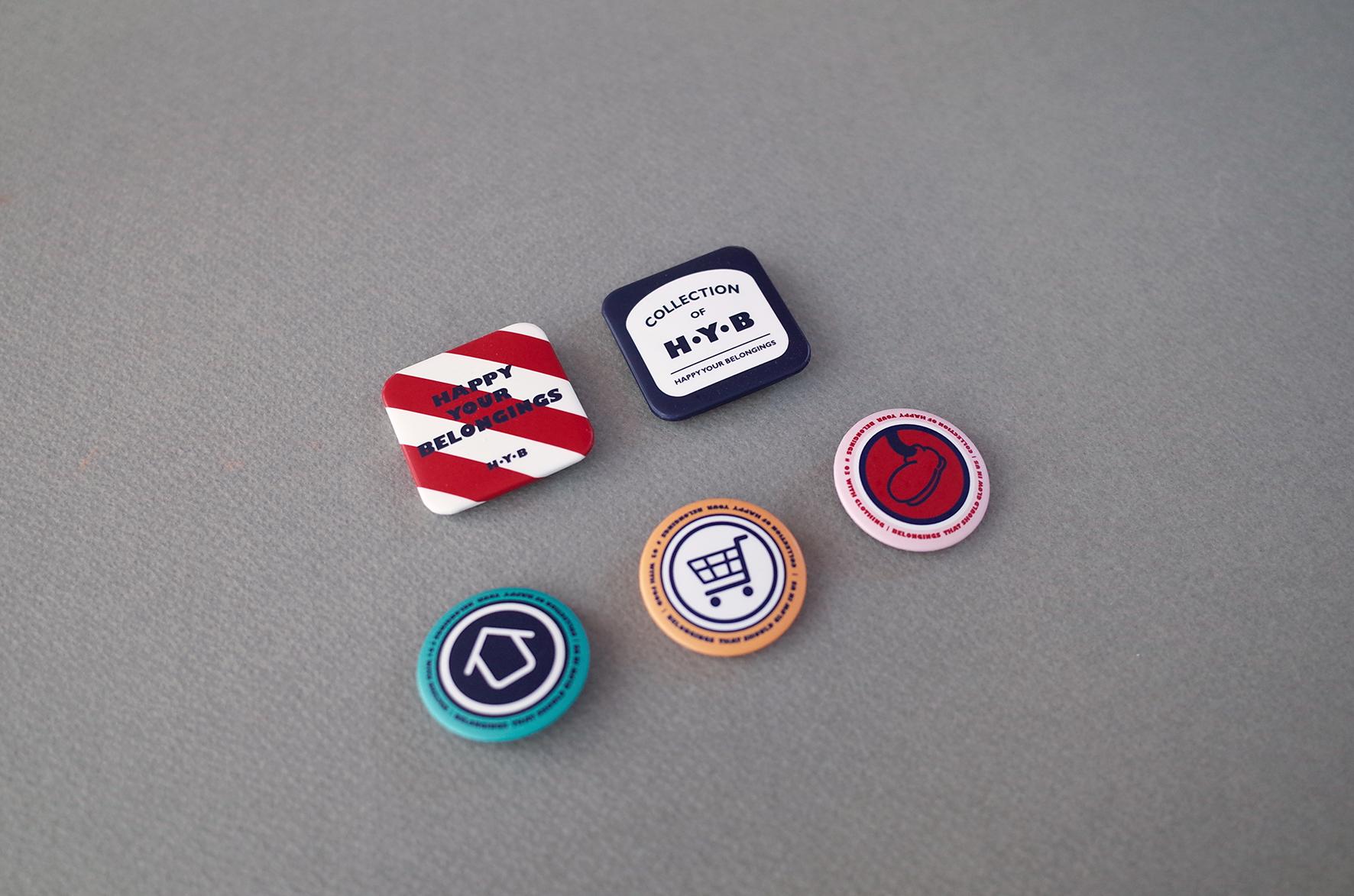 5 Pin Buttons / 2 Squares_ 37 x 37mm,  3 Circles_ 32 x 32mm