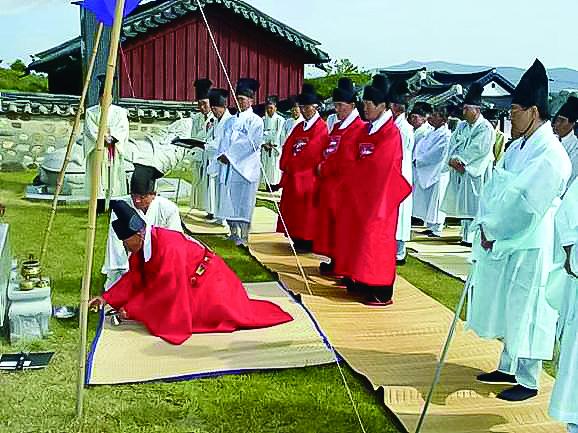 양주 숭모단의 시조공 시향