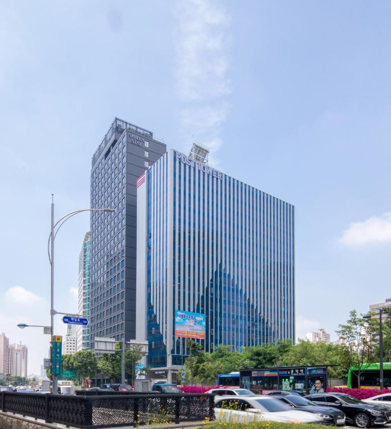 "<br>2016<br><Strong>International Property Awards Winner,<br> Best Office Architecture from Asia Pacific<br><br> <Font size = ""3""> Post Tower Mapo<br>마포우체국"
