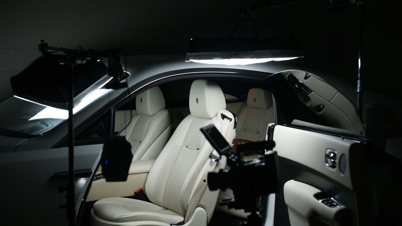 Rolls-Royce Wraith (스카프 사용)