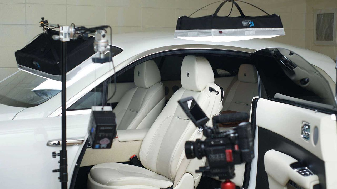 Rolls-Royce Wraith (실내조명 사용)
