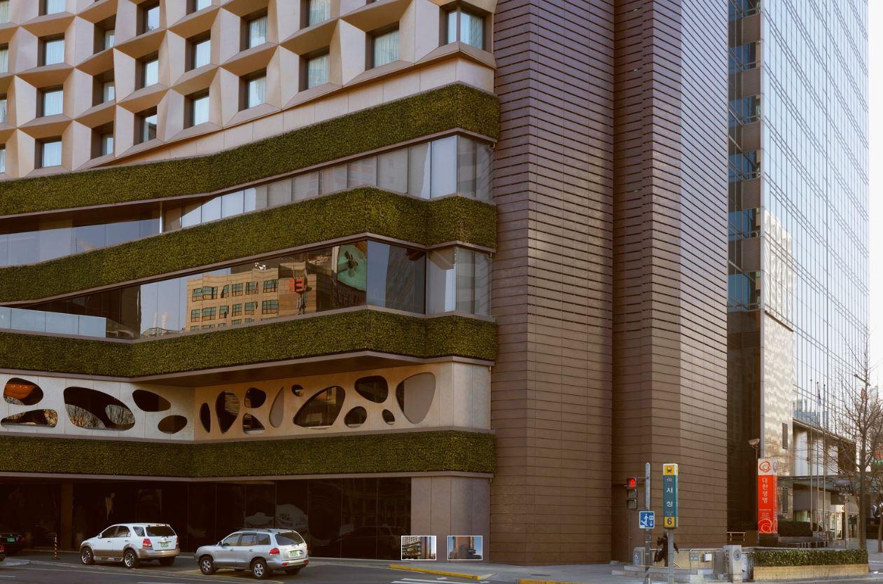 Plaza hotel - OXIDE MORO