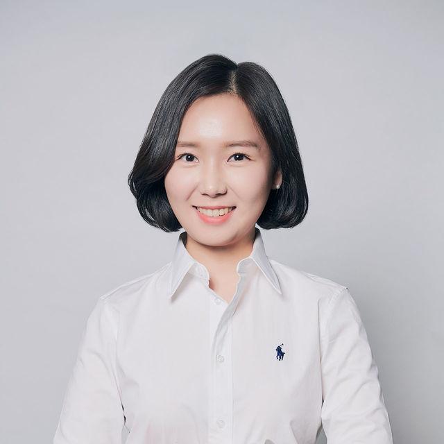 <b>Lee Ga Young</b><br>Associate<br>