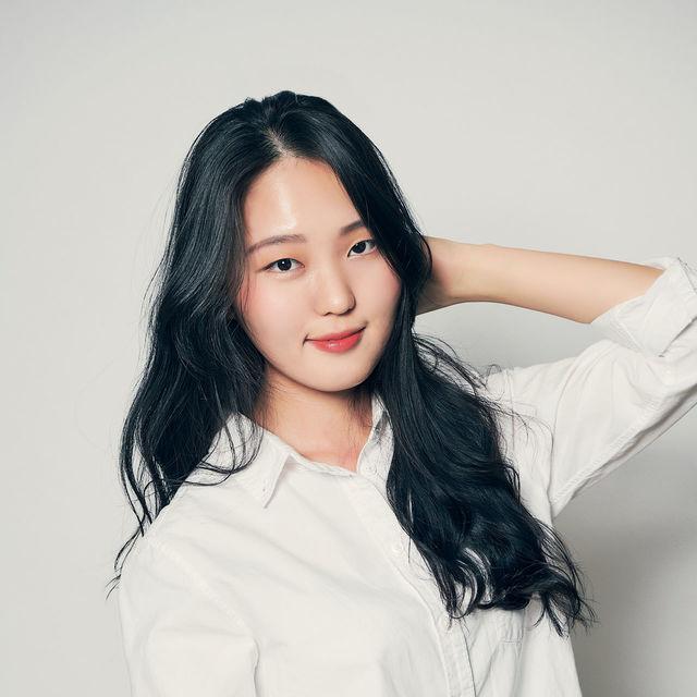 <b>Choi Jin Hee</b><br>Associate<br>
