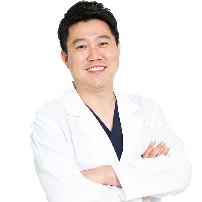 치과교정과 안수범 원장님