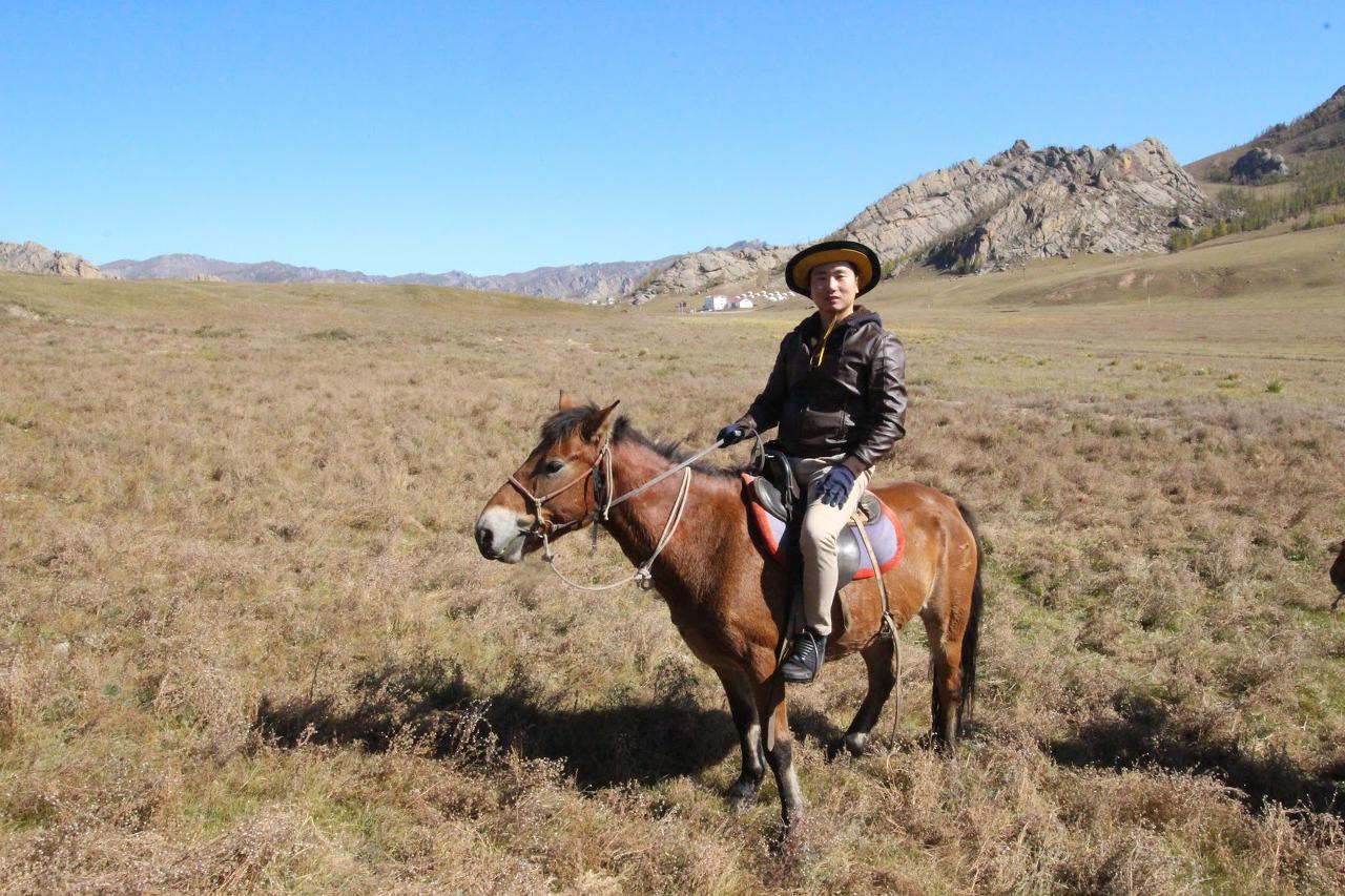 몽골 테를지국립공원에서의 승마