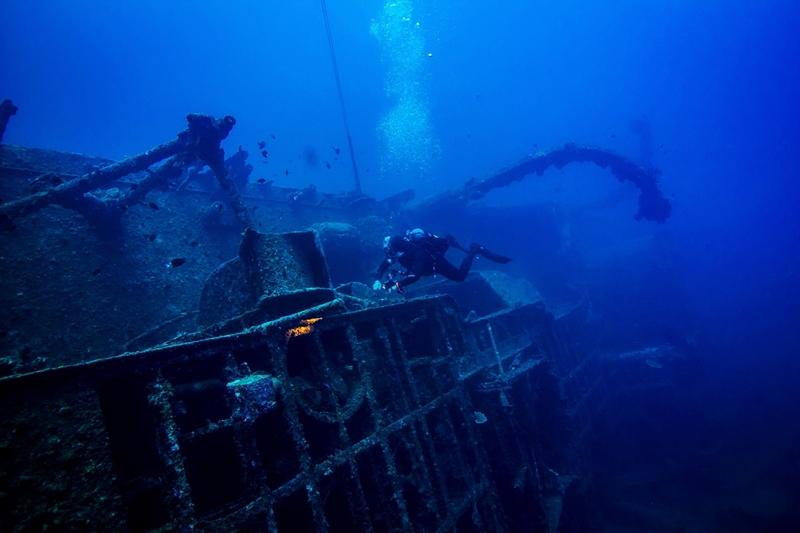 오키나와 다이빙 난파선 USS 에몬즈 안내