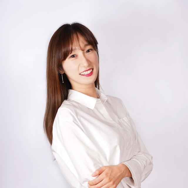 <b>Lee Seul Gi</b><br>Assistant<br>