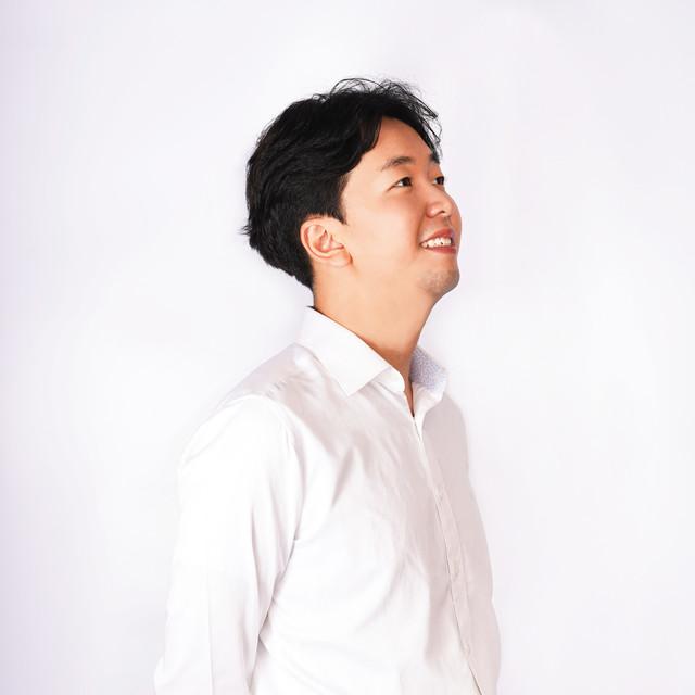 <b>Kang John</b><br>Assistant<br>