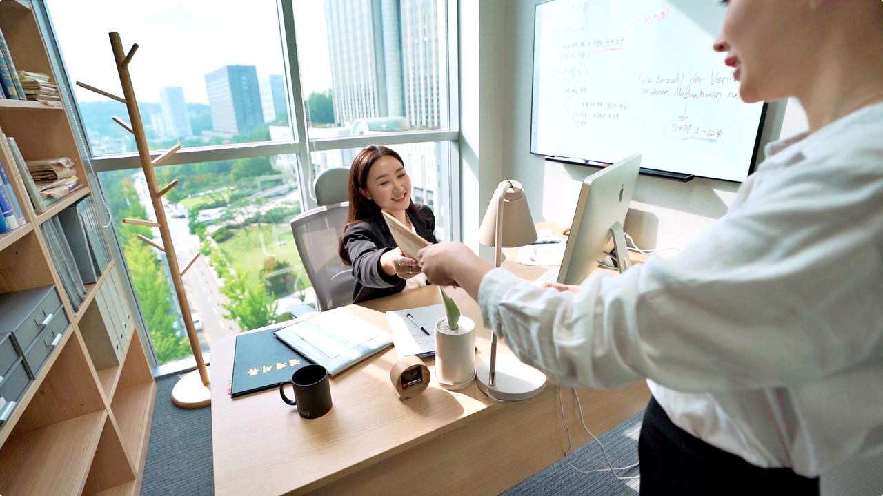 비즈니스와 비즈니스, 사람과 사람이 이어지는  네트워킹 허브
