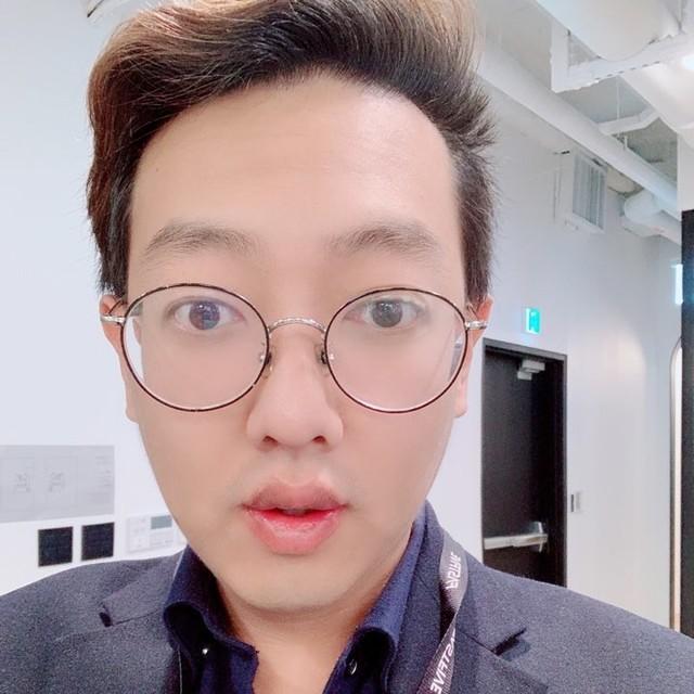 <b>Choi Hyun Sik</b><br>Assistant<br>
