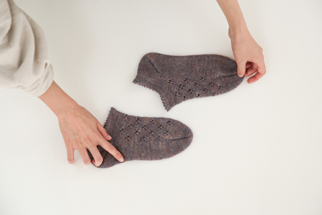 아일렛 무늬 양말(Toe Up Socks)
