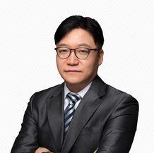 전문위원 / 김형석