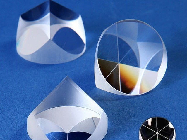 코너 큐브 프리즘 (Corner Cube Prism)