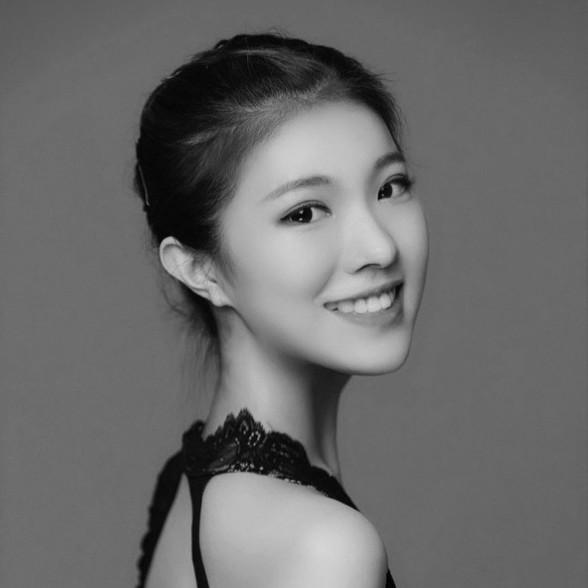 이지현 Jihyun Lee<br>1996<br>169 34-26-32 240