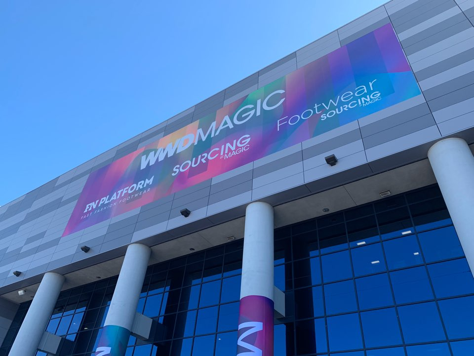<B>Magic show</B><BR><BR>in LASVEGAS