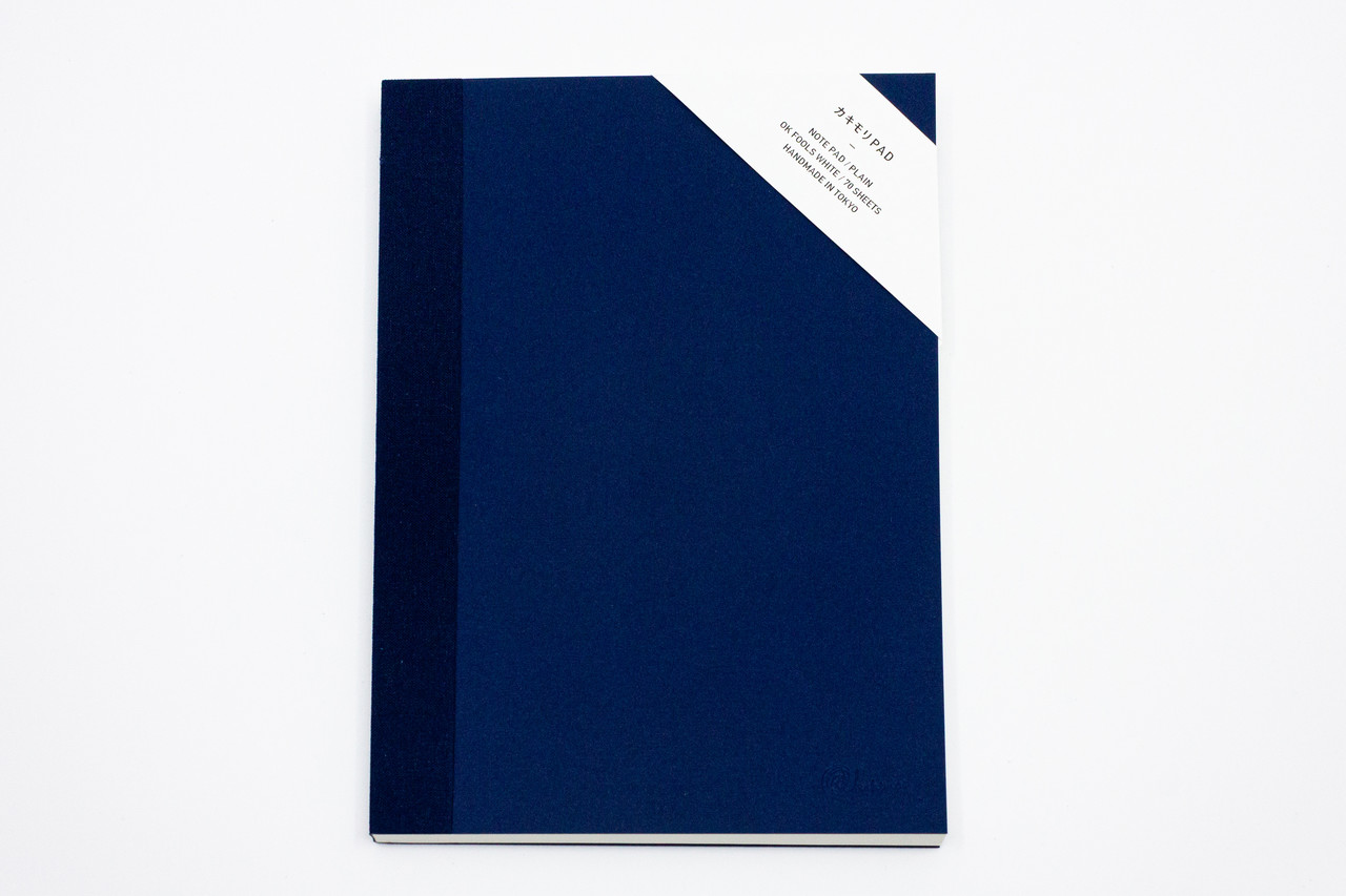 "<p style=""font-family: freight-neo-pro, sans-serif; font-weight: 400; font-style: normal; color: black;"">kakimori spread A5 notepad plain navy</p>"