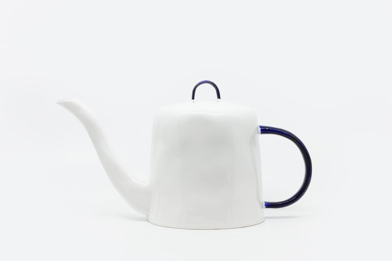 """<p style=""""font-family: freight-neo-pro, sans-serif; font-weight: 400; font-style: normal; color: black;"""">feldspar cobalt teapot</p>"""