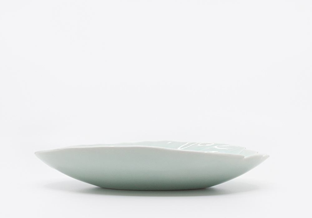 """<p style=""""font-family: freight-neo-pro, sans-serif; font-weight: 400; font-style: normal; color: black;"""">leaf shape oval bowl</p>"""