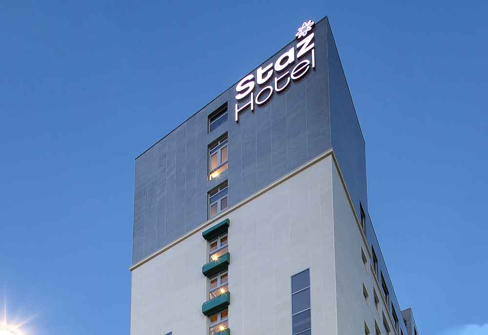 """<div class=""""about""""><span class=""""txt1"""">STAZ HOTEL Myeongdong 2nd</span><br><span class=""""txt2"""">174 Rooms</span></div>"""