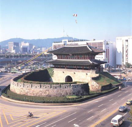 Hanyang-dosung Dongdaemoon