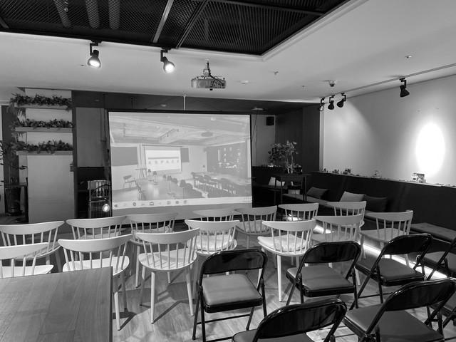 40-70인 규모의 세미나 장소 전문 카페와 동시 사용 가능