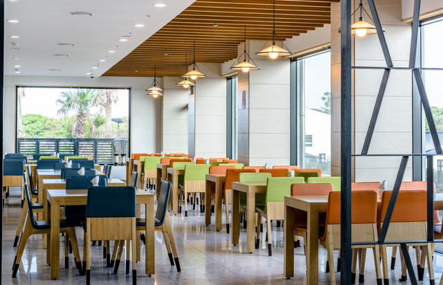 """<span style=""""font-size: 18px"""">RESTAURANT</span><br><span style=""""font-size: 15px"""">레스토랑</span>"""