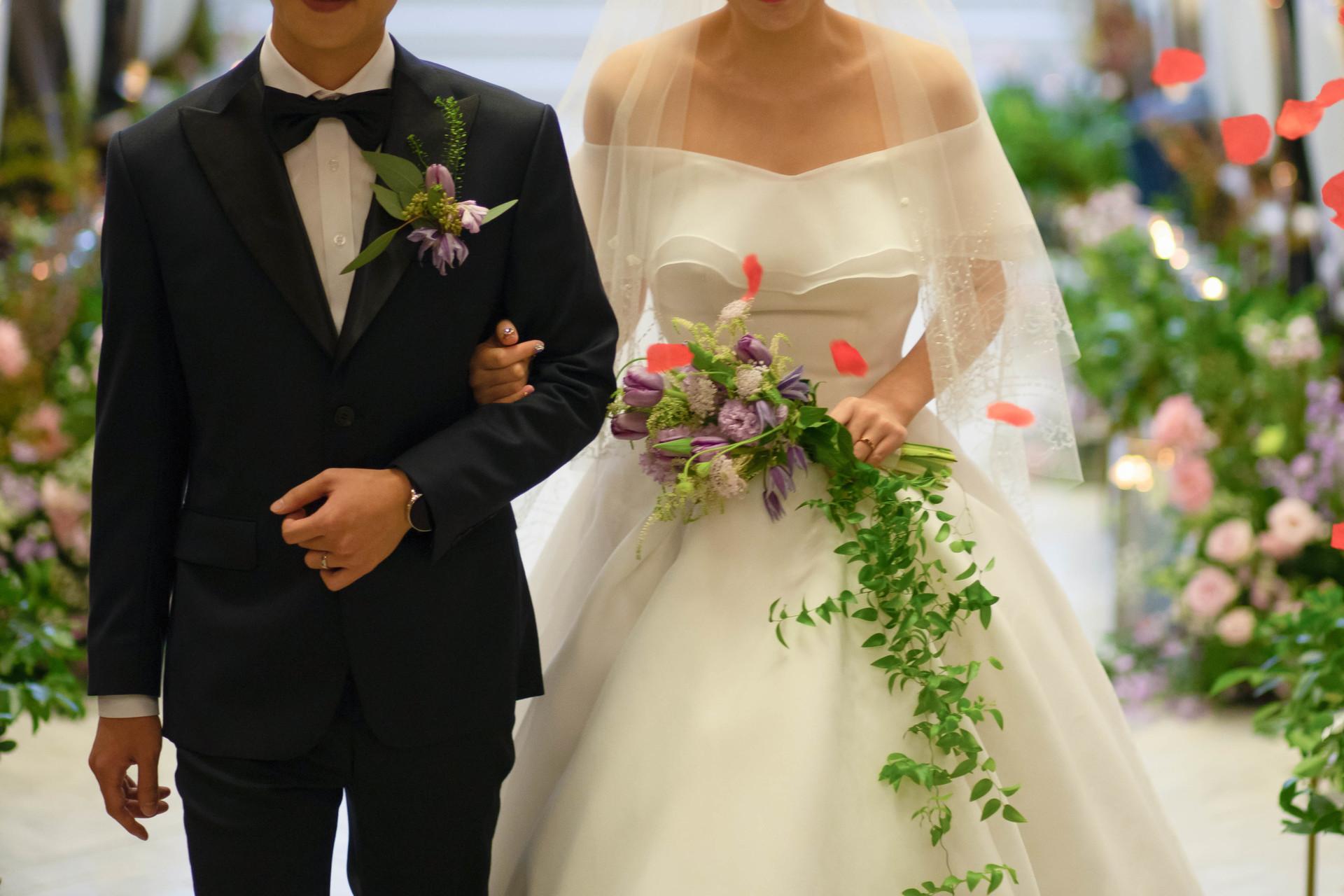 라포레홀에서 결혼하시는 신랑 신부님