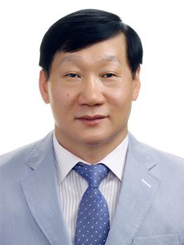 <b>홍기철</b><br>홍기철세무회계사무소<br>대표