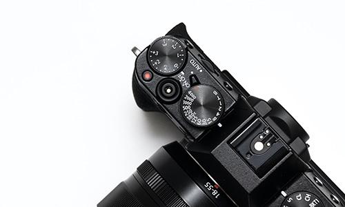 <b>03</b><br><b>Product Design</b><br>摄影和编辑.