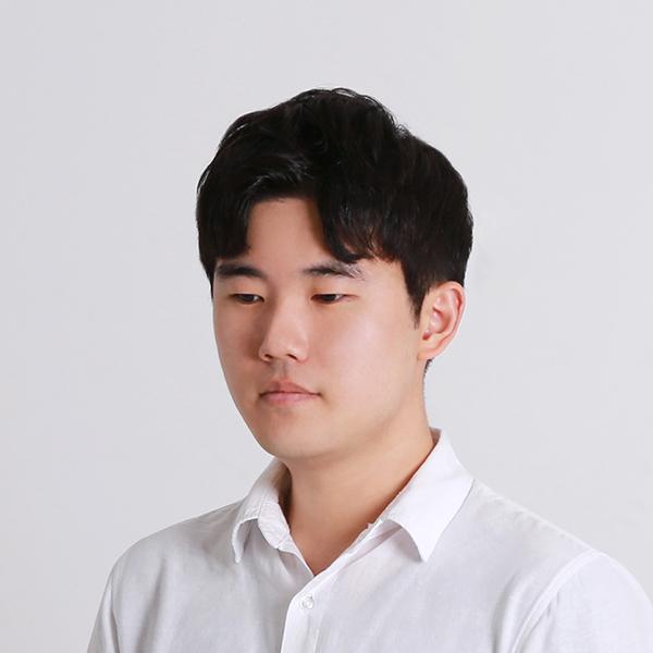 김윤진 사진